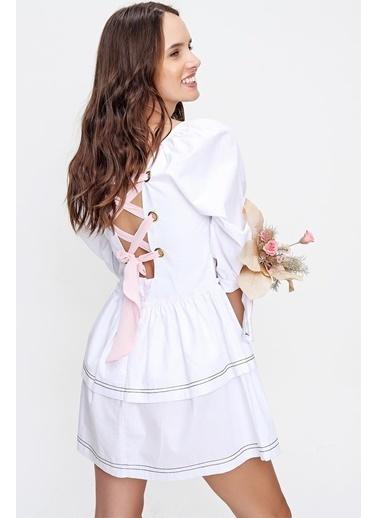 Pink Park Sırtı Kurdele Detaylı Kat Kat Volanlı Dokuma Elbise MZ00001 Beyaz